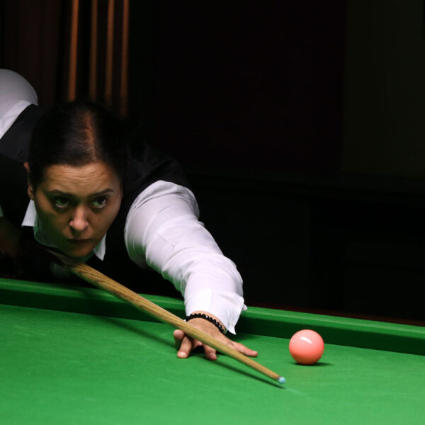 Sharon Kaur playing snooker